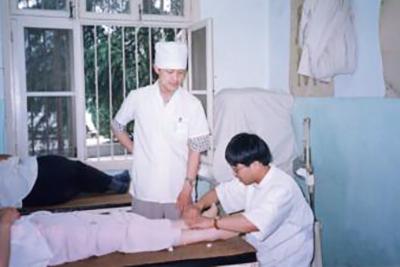 針灸科の先生に李世珍先生に任された脳卒中の後遺症の患者